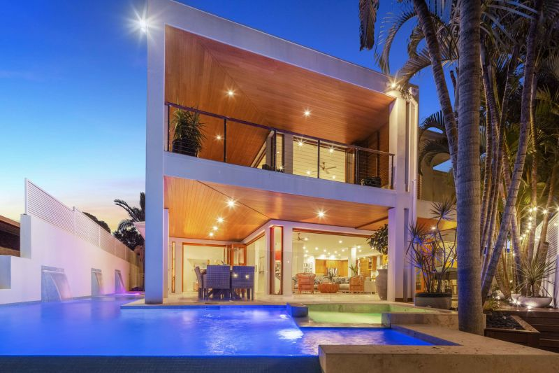 A Paradise Found, Magical Mooloolaba Waterfront Abode.