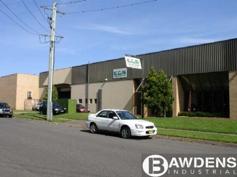 Factory Unit With 800amps Of Power, Located In A Complex In The Heart Of Seven Hills.