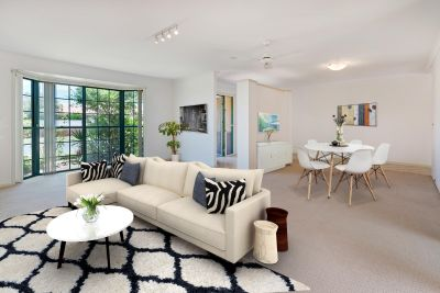 Benowa-Private, Secure, School Zone + Pool!