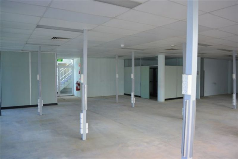 266 m2*  OFFICE  WITH M1 EXPOSURE