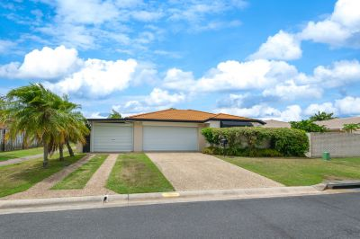 Looking for Location, A Pool & A Triple Garage?