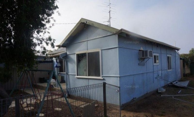 8.5% RETURN ON INVESTMENT – COMMERCIAL PROPERTY WITH 3BR RESIDENCE ON 2254M2