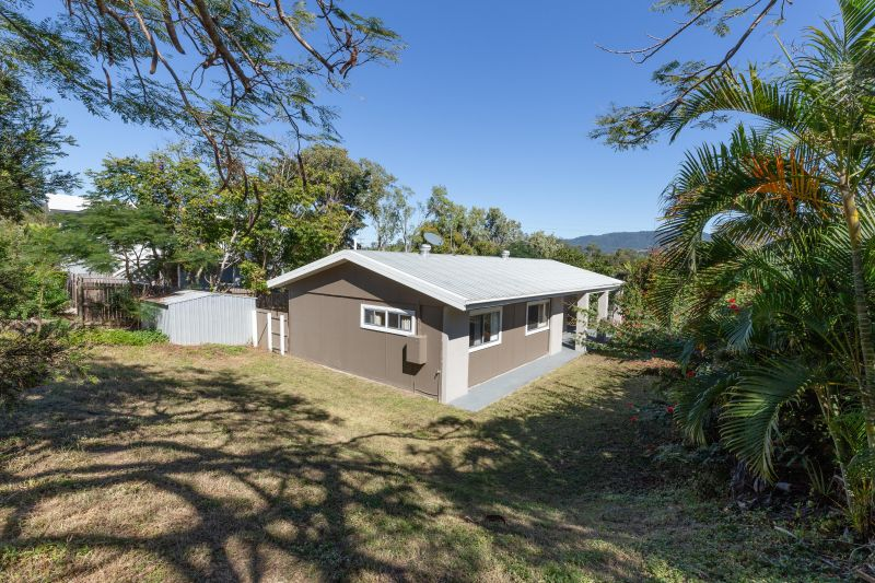 For Sale By Owner: 4 Adina Street, Cannonvale, QLD 4802
