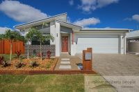 Family Home In Aura With Side Access!