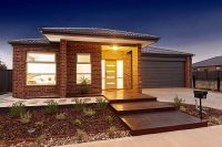 Contemporary Family Comfort in Serene Surrounds