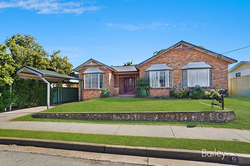 9 Orchard Avenue, Singleton