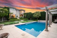 LUXURY DREAM HOME  BEAUTIFUL INTERIOR & LANDSCAPED GARDENS  Superb finishes & inclusions. Land 822sqm
