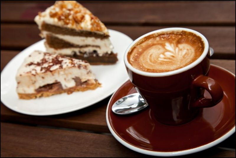 Cafe in great location in Main street, Berwick.