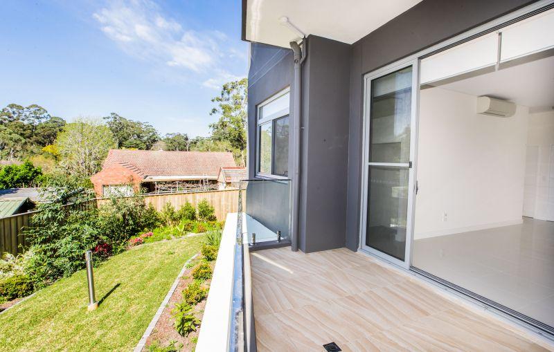 Luxury 2 Bedrooms Garden Apartment + Parking & Storage cage