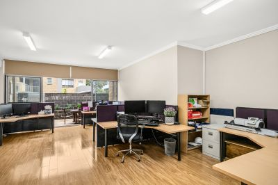 Ground Floor 1 bedroom garden apartment with separate office space on title and mixed use rights for residential and or commercial