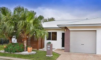 SPACIOUS 3 BEDROOM UNIT- PRIVATE & SECURE GATED COMPLEX - NEAT & TIDY & LOW BODY CORP' FEES...