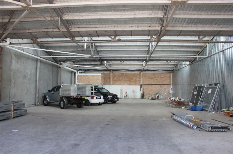 FUNCTIONAL 447M² FACTORY