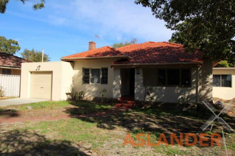 RENOVATED LARGE HOME ON BIG BLOCK - EASY ACCESS TO PUBLIC TRANSPORT -BRAND NEW KITCHEN AND BATHROOM
