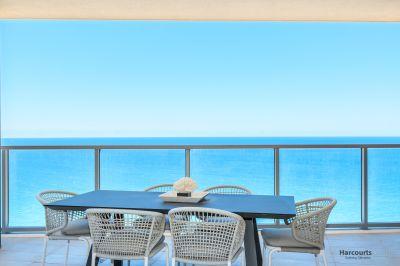 Absolute Beachfront  Sub Penthouse  Brand New