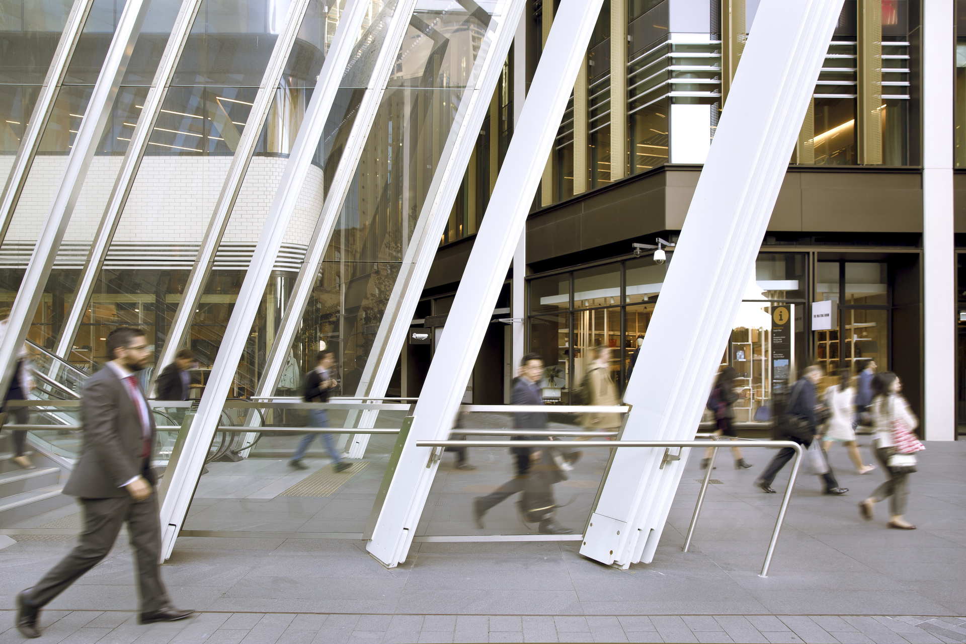 OFFICES AVAILABLE IN SYDNEY ACROSS BARANGAROO WATERFRONT