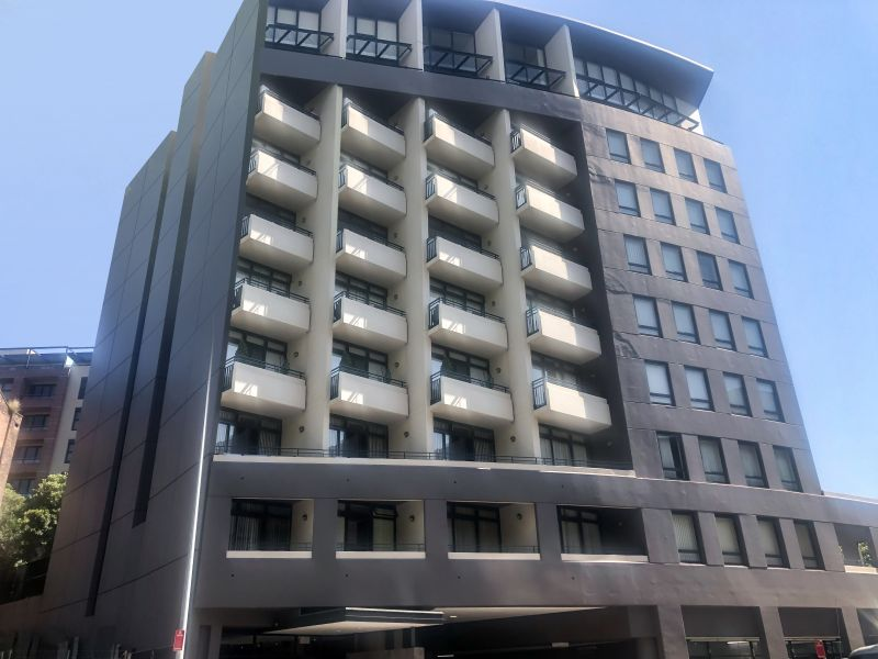 Huge 1bedroom apartment in highly sought after building