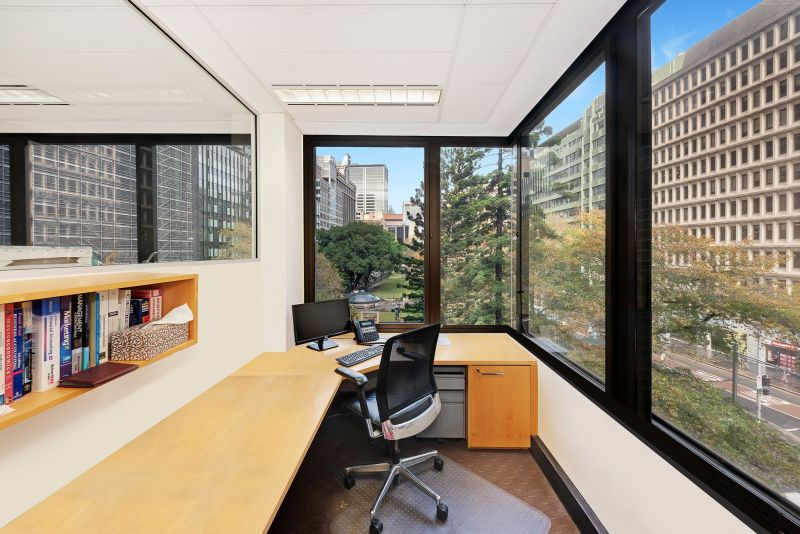 Short Term Plug And Play With Park Views