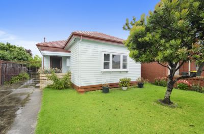 Affordable Opportunity at the Paris End of Hudsons Road!