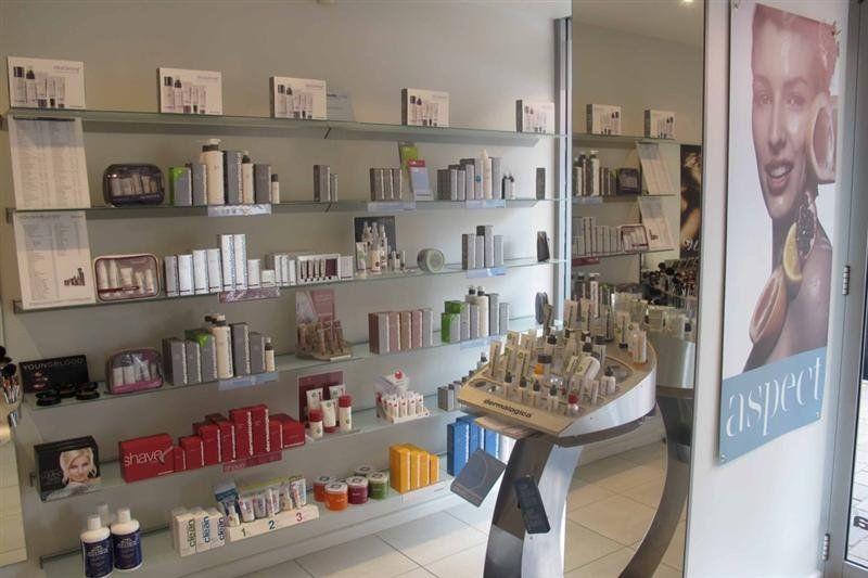 Great Exposure Retail/Medical/Professional Suite.