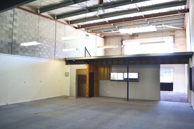 Warehouse/Showroom/Office Unit