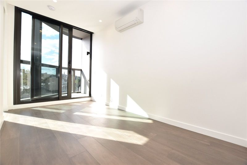 Brand New Two Bedroom Apartment in Conservatory Complex!