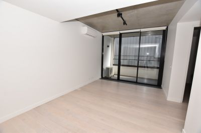 Recently Completed 1 Bedroom Apartment Close to Queen Victoria Market!
