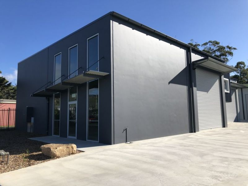 Brand new, great looking street front unit with modern facilities