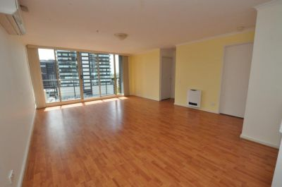 Southbank Condos, 12th Floor - Fantastic Location!