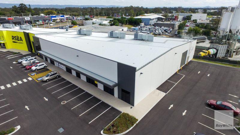 Brand New Premium Grade Modern Retail Showrooms