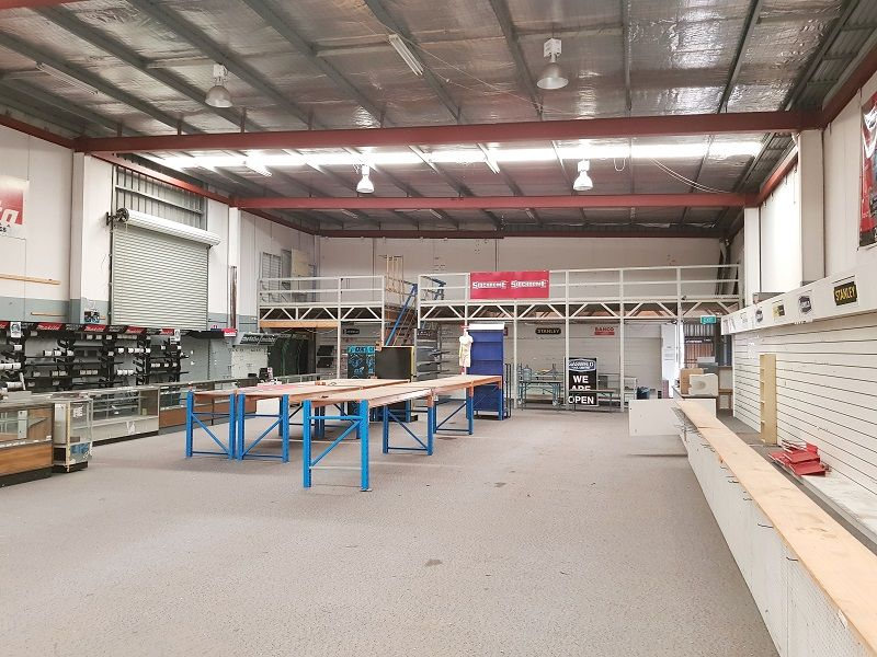 Rare Opportunity ~ Campbelltown Road facing Bulky Goods/Retail Unit