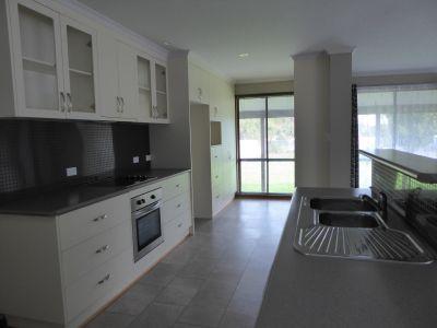 For Private Rent in Portland South (Victoria)