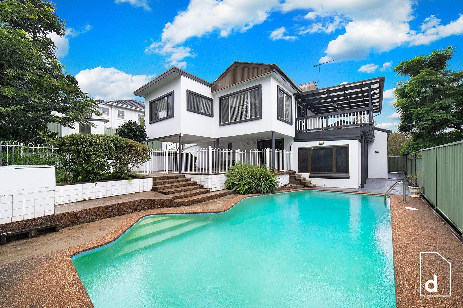2 Pooraka Avenue, West Wollongong NSW 2500