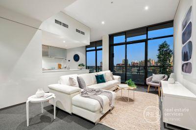 A top floor sensation with breathtaking city views