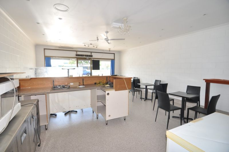 Cafe Tenancy Located in Busy Retail Centre