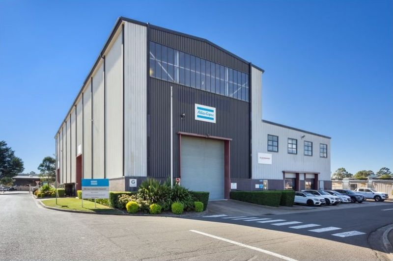 Office/Warehouse & Yard In Ideal Location