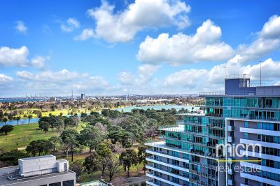 Rhapsody: Stellar St Kilda Road Living with Views!