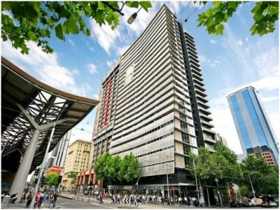 Liberty Tower: Beautiful Two Bedroom CBD Apartment on Collins Street - Furnished with Carpark!
