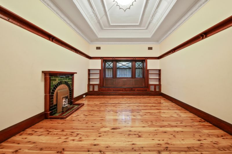 Freestanding Californian Bungalow In The Heart Of Enmore