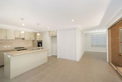 2/28 Young st, Petrie