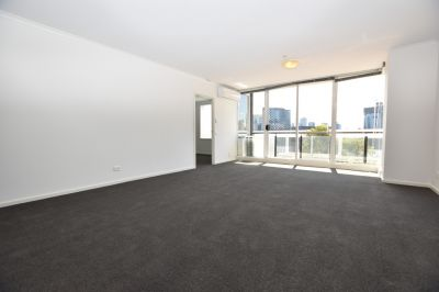 Light & Bright Three Bedroom Apartment in Fantastic Location!