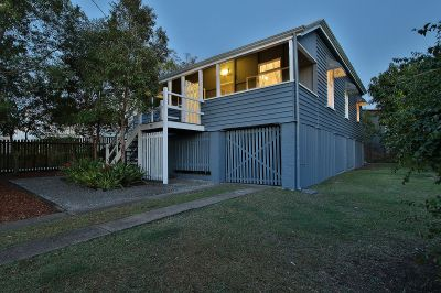 Immaculately Kept Character Home in Quiet Street!