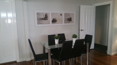 **Move in today - at UQ doorstep- Outstanding Air Conditioning - fully renovated new rooms available***