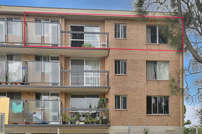Situated Well Back from Botany Road - No Traffic Noise - 2 Bedrooms with Garage