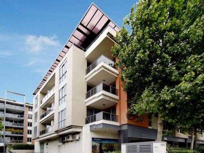 Spacious Split Level Apartment with Double Parking