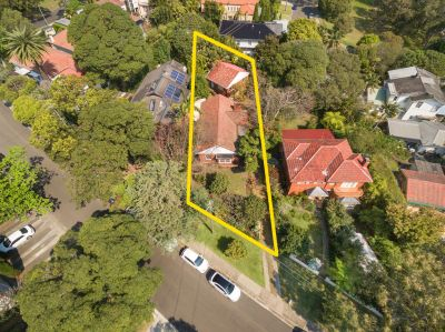 SUPERB OPPORTUNITY! Deceased Estate. Renovate/Rebuild/Redevelop. Approx. 780sqm Sundrenched Level Land only 200m to Parsley Bay