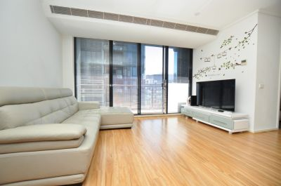 FURNISHED APARTMENT on 31st floor with incredible views!