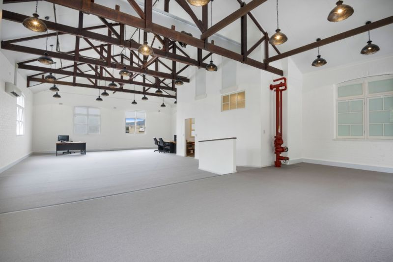 CHARACTER COMMERCIAL OPPORTUNITY WITH MT WARNING VIEWS