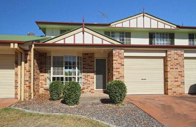 BRILLIANT UNIT IN IMMACULATE COMPLEX WITH A POOL!