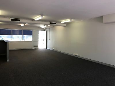 TURN-KEY GROUND FLOOR MILTON OPPORTUNITY!