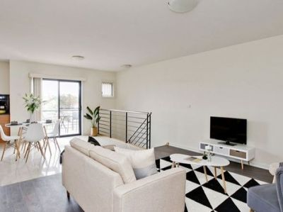 Stunning expansive home, located right in the heart of the Yarraville Village